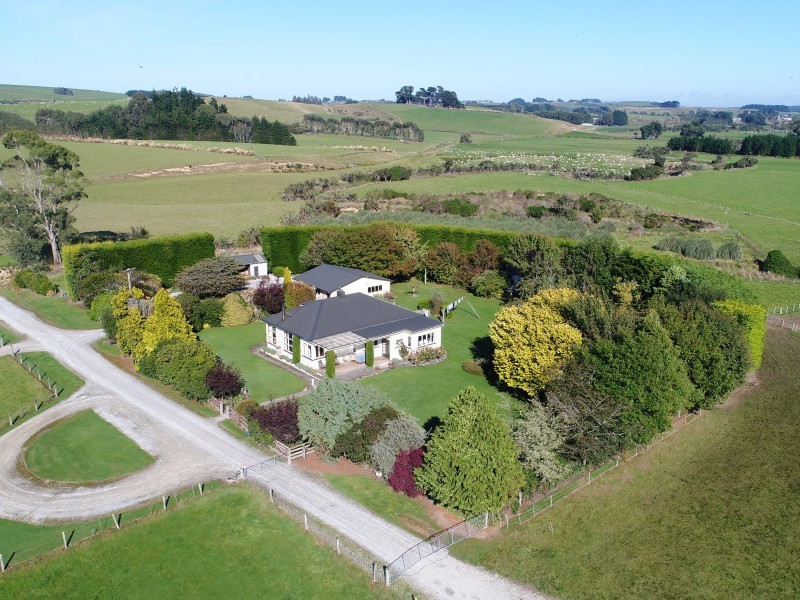 301 Waimahaka Fortification Road, Waimahaka