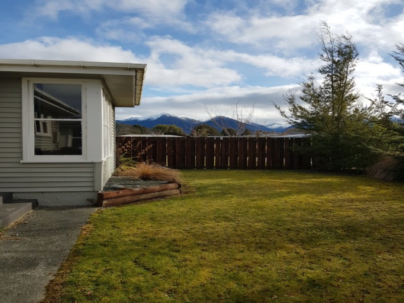 20 Freestone Place, Manapouri