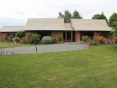 241 Gap Road West, Winton